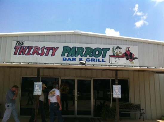 the-thirsty-parrot-bar-in-monaville-tx