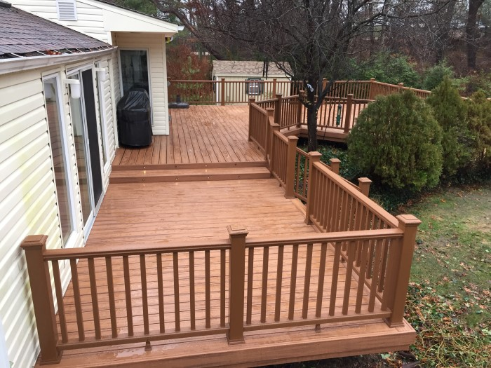 Custom-Deck-Builder-in-Houston-TX