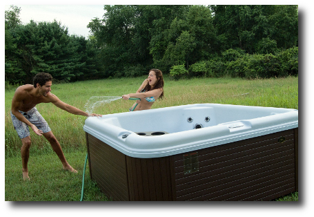 Encore-SE-Fun-in-a-hot-tub-from-Nordic-Tubs